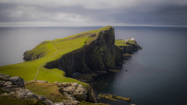 scotland skye lighthouse