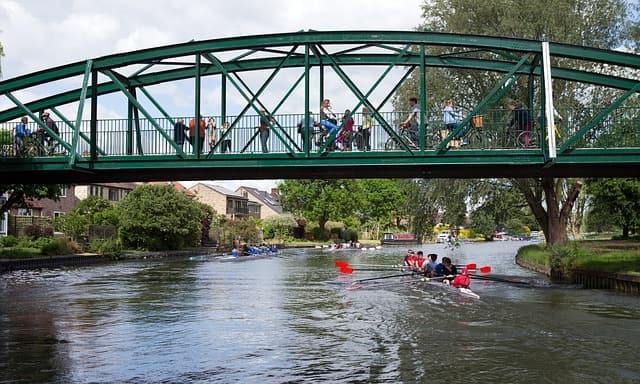 pedestrian bridge rowers cambridge
