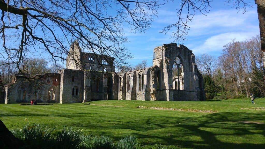 castle-ruin-netley-abbey