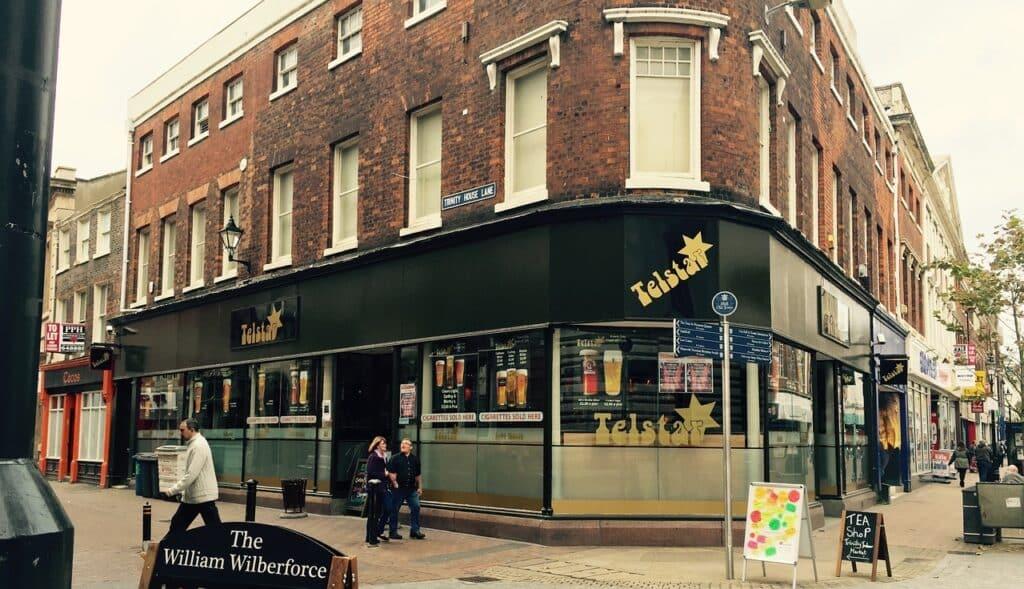 hull pub location tourist