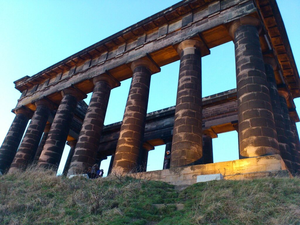 monument-penshaw-pillars